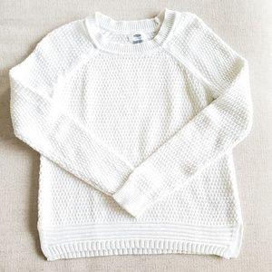 Old Navy white knit sweater crew neck